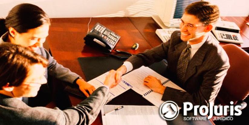 como o advogado autônomo ou escritórios de advocacia podem ajudar seus clientes e software juridico