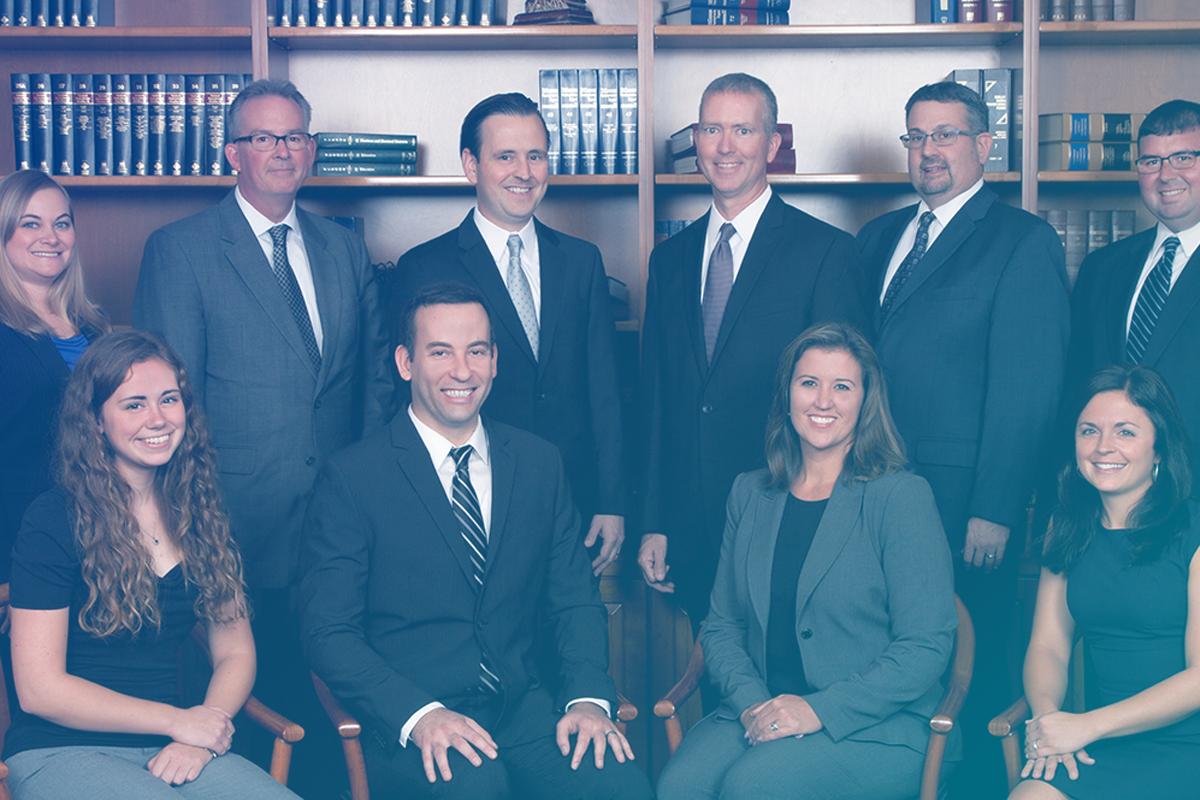 Imagem de diversos advogados representando a Quiz para definição de seu tipo de advogado(a)