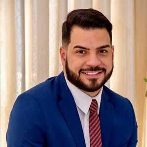 Dr. André Alves Carneiro
